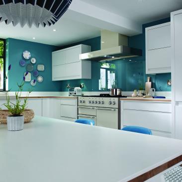 North Devon Kitchens | Kitchen Designers Barnstaple Leigh Matt White_Closer