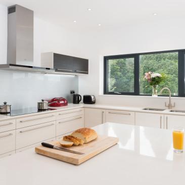 North Devon Kitchens | Barnstaple Kitchens Linden White Avola & Hacienda Black_Angle 2