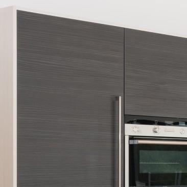 North Devon Kitchens | Kitchen Designers Barnstaple Linden White Avola & Hacienda Black_Close-up
